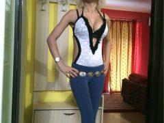 Blonda cu trup sexy, din CLUJ