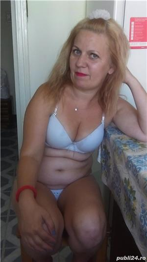 Blonda simpatica